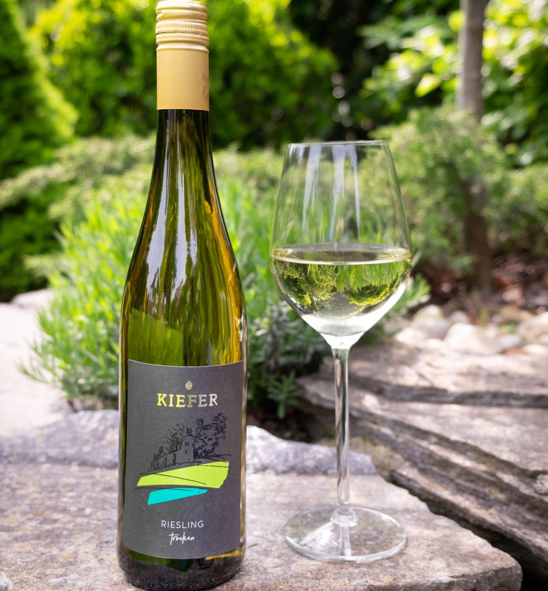 2020-09-06-Weingut-Kiefer-Ortenberg-Wein-Erlesen-kaufen-Wein-Jahrgang- 2018 - Riesling - Spätlese - trocken