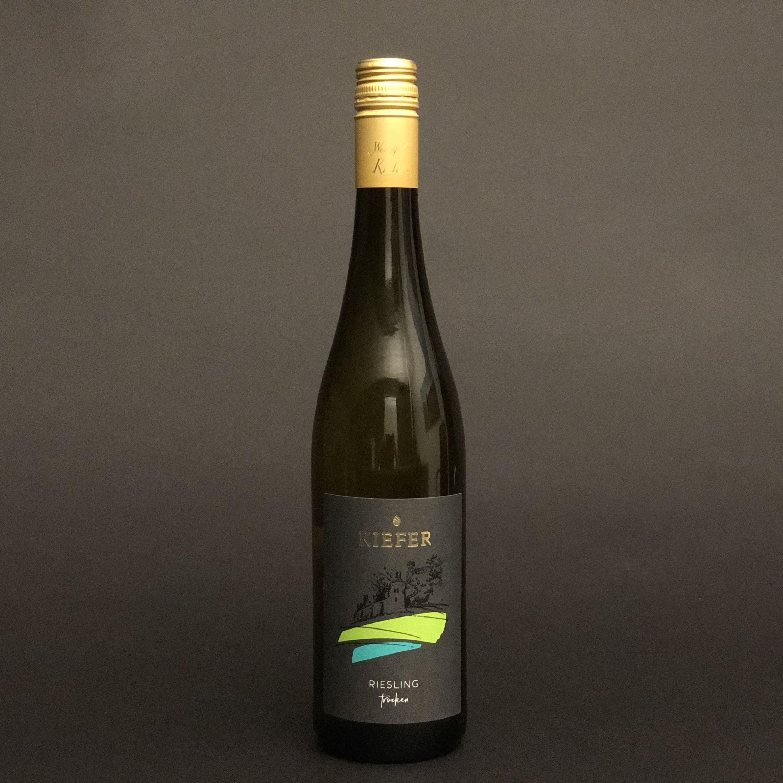 Weingut-Kiefer-Ortenberg-Wein-Weisswein-2018-Riesling-trocken-Vorderseite